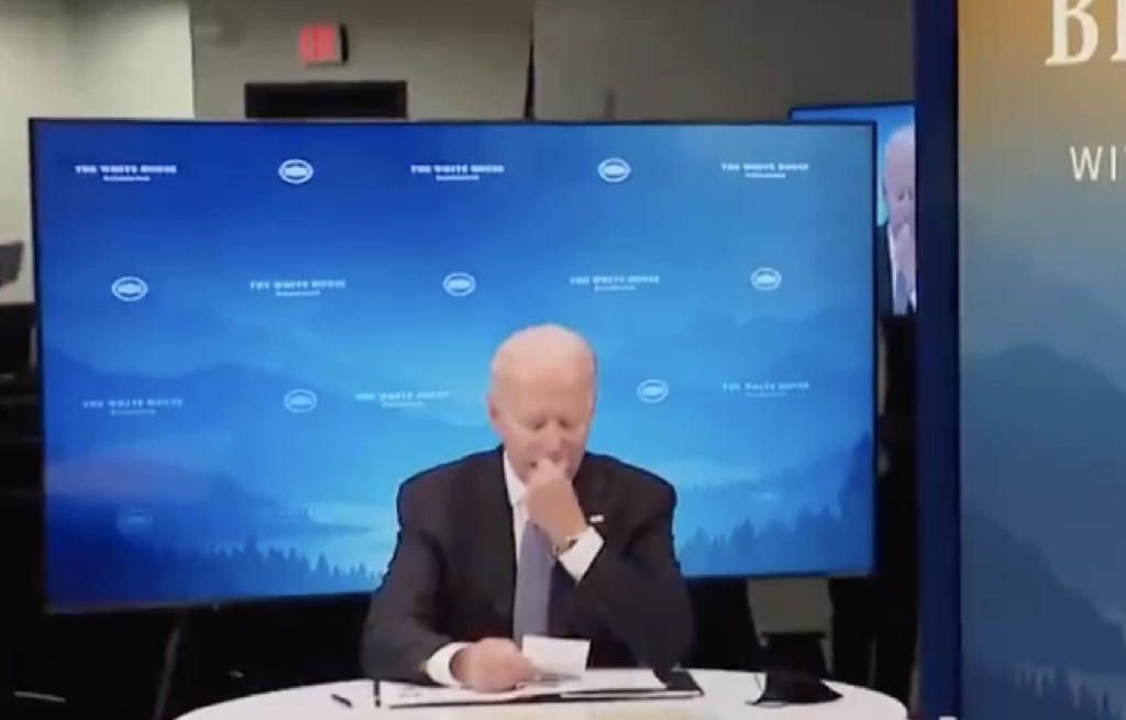 They Handed Biden A Note, What Happened Next Was TOTALLY STRANGE!